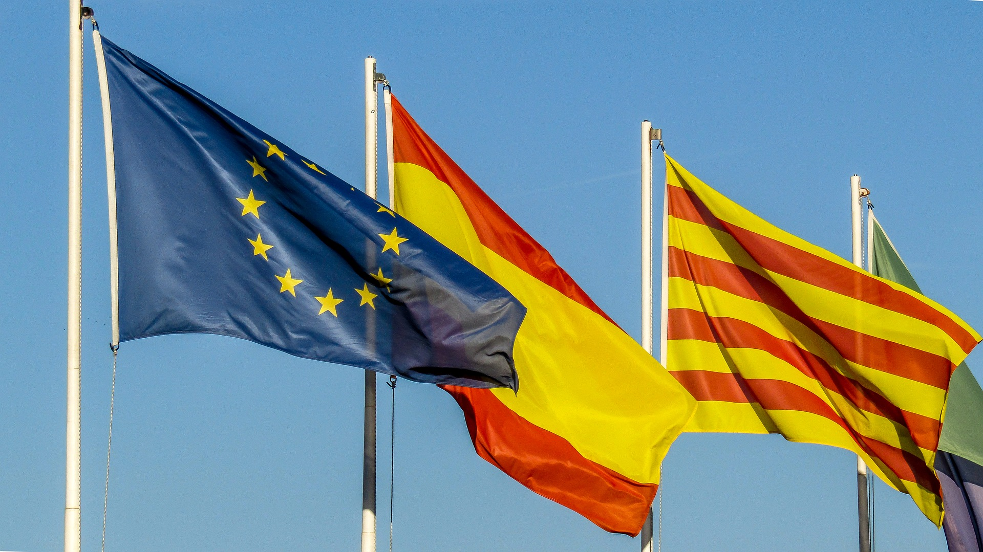 Travel alerts for Spain from 22 european countries